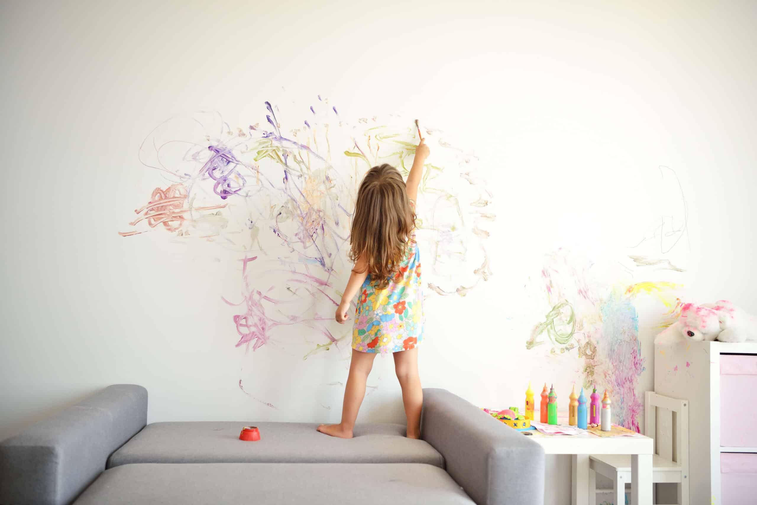 Как подобрать цвет краски для стен ?